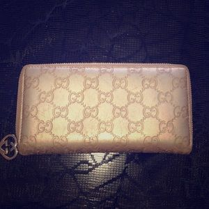 Vintage Gold Gucci Wallet 💗